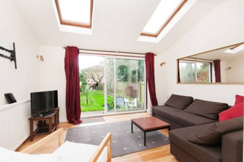 View full details for Hartham Road, Isleworth, TW7