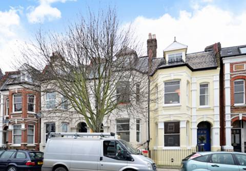 View full details for Clissold Crescent, Stoke Newington, N16