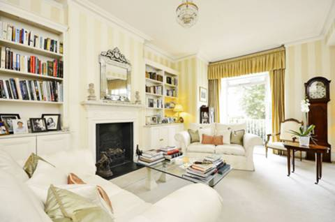 View full details for Holmbush Road, Putney, SW15