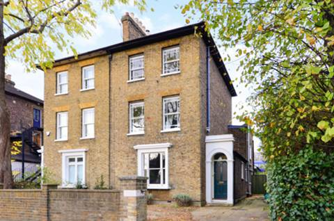 View full details for Woodlands Grove, Isleworth, TW7