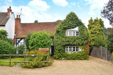 View full details for Old Boodles, The Street, West Clandon, GU4