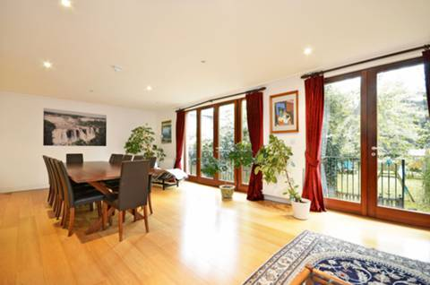 View full details for North Hill, Highgate, N6
