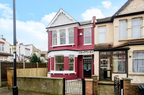 View full details for Bosworth Road, Bounds Green, N11
