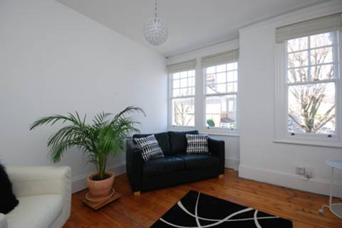 View full details for Lightcliffe Road, Palmers Green, N13