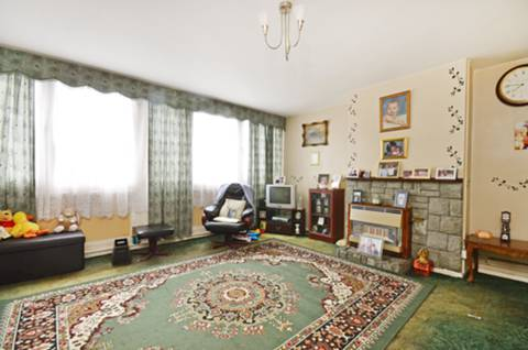 View full details for Holybourne Avenue, Roehampton, SW15