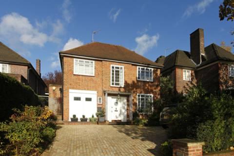 View full details for Lyttelton Road, Hampstead Garden Suburb, N2