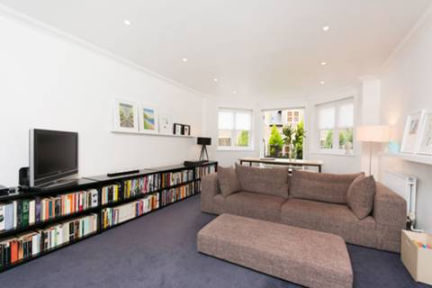 View full details for Paulin Drive, Winchmore Hill, N21