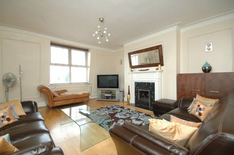 View full details for Clarendon Court, Willesden Green, NW2