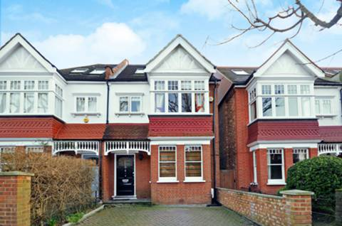 View full details for Lyncroft Gardens, Ealing, W13