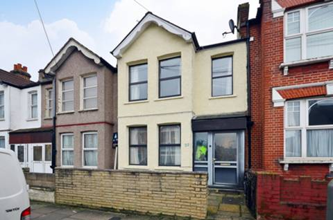 View full details for Fernthorpe Road, Furzedown, SW16