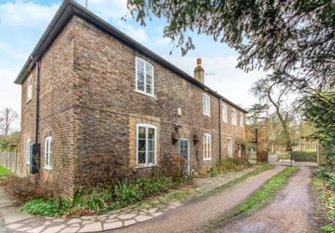 View full details for Park Cottage, Orleans Road, Twickenham, TW1