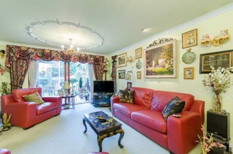 View full details for Roxbourough Park, Harrow on the Hill, HA1