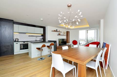 View full details for Cobblestone Square, Wapping, E1W