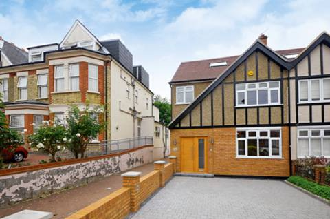 View full details for Arundel Gardens, Winchmore Hill, N21