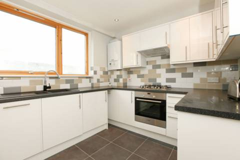 View full details for Denchworth House, Stockwell, SW9