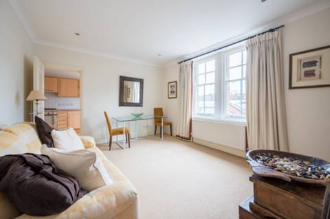 View full details for Gunthorpe Street, Aldgate, E1