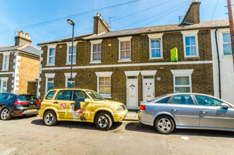 View full details for Pymmes Road, Palmers Green, N13