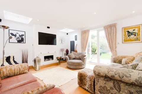 View full details for Lynton Avenue, West Ealing, W13