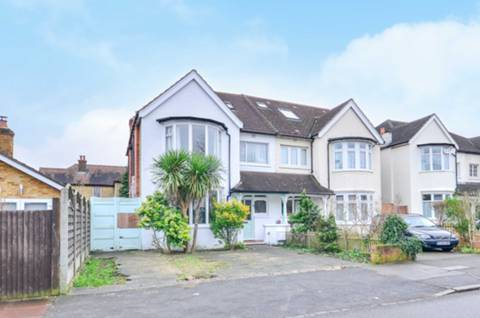 View full details for St James' Avenue, Beckenham, BR3