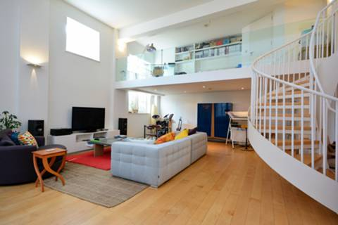View full details for Thackeray Road, Battersea, SW8
