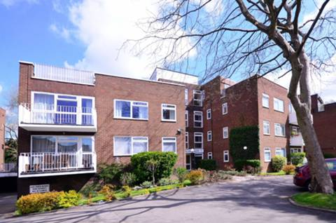 View full details for Oakleigh Road North, Oakleigh Park, N20
