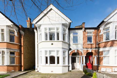 View full details for Grovelands Road, Palmers Green, N13