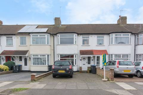View full details for Linden Gardens, Enfield, EN1