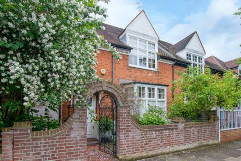View full details for Flanders Road, Bedford Park, W4