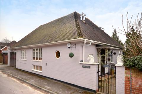 View full details for Beech Lane, Guildford, GU2