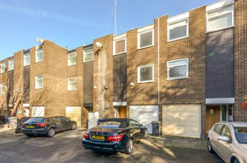 View full details for Links View, Finchley Central, N3