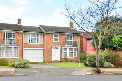 View full details for Oakwood Avenue, Beckenham, BR3