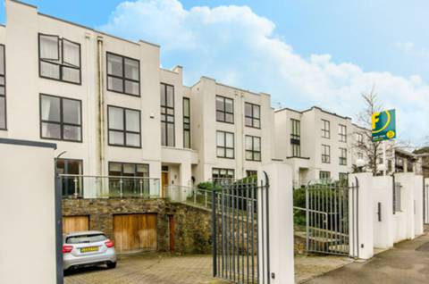 View full details for Queensmere Road, Wimbledon Village, SW19