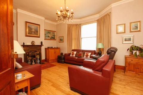 View full details for Rossiter Road, Balham, SW12