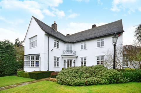 View full details for The Bishops Avenue, Hampstead Garden Suburb, N2
