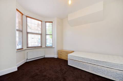 View full details for Gwendoline Avenue, Plaistow, E13