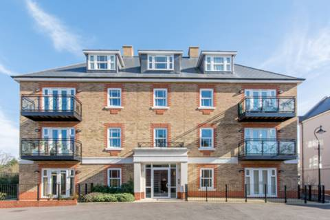 View full details for Gillis Square, Roehampton, SW15