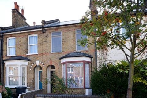 View full details for Richmond Road, Bounds Green, N11