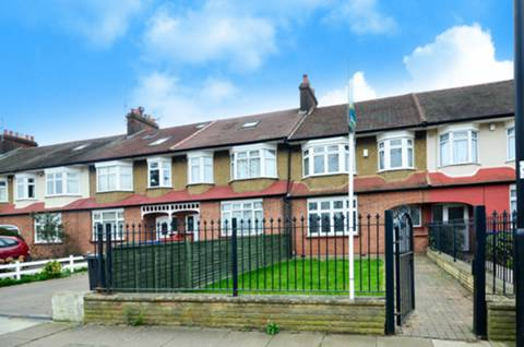 View full details for Firs Lane, Winchmore Hill, N21