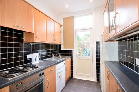 View full details for Hawthorn Avenue, Palmers Green, N13