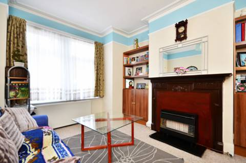 View full details for Gassiot Road, Tooting, SW17