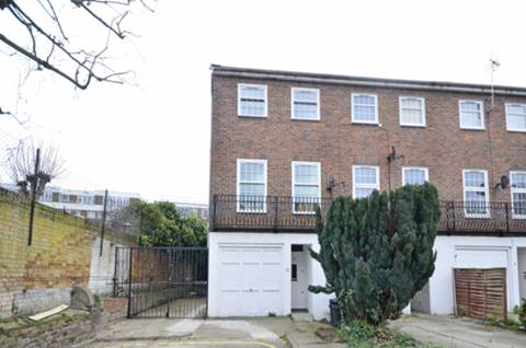 View full details for Chepstow Close, Putney, SW15