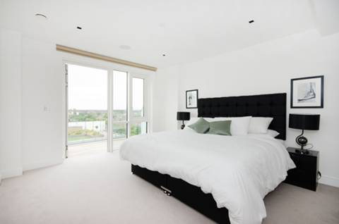 View full details for Longfield Avenue, Ealing, W5