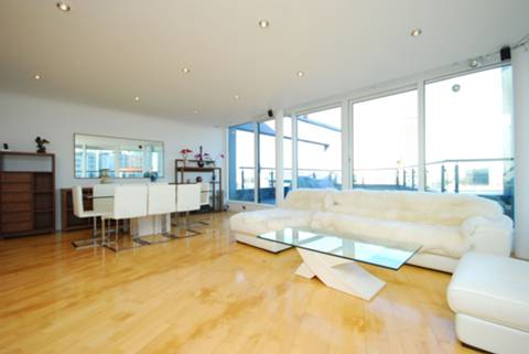 View full details for Boardwalk Place, Canary Wharf, E14