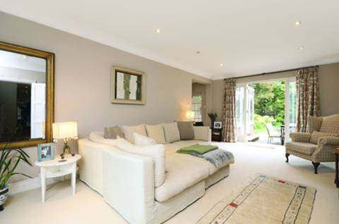 View full details for Roedean Crescent, Roehampton, SW15