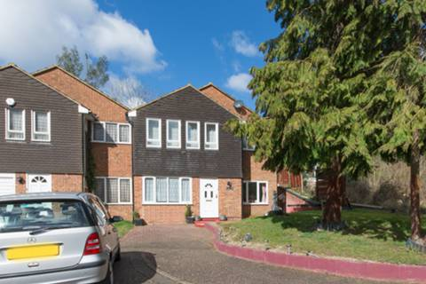 View full details for Knoll Crescent, Northwood, HA6