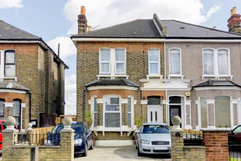 View full details for Perry Hill, Catford, SE6