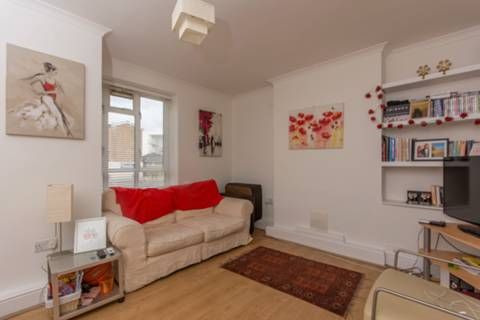View full details for Hamilton House, Toland Square, Roehampton, SW15