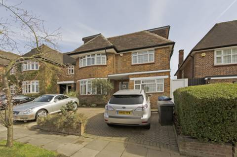View full details for Connaught Drive, Temple Fortune, NW11