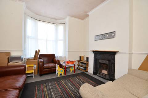 View full details for Avenue Road, Forest Gate, E7