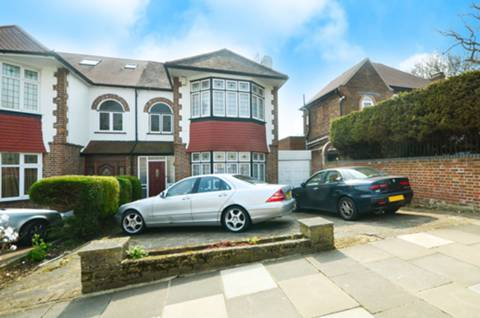 View full details for Prince George Avenue, Southgate, N14
